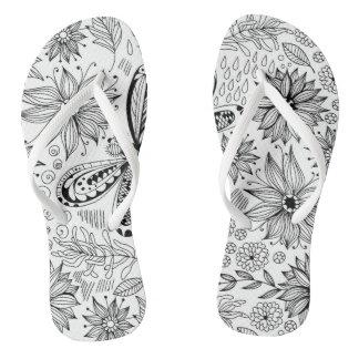 Chinelos Doodle da libélula e das flores