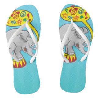 Chinelos Elefante irritado do circo que diz palavras más
