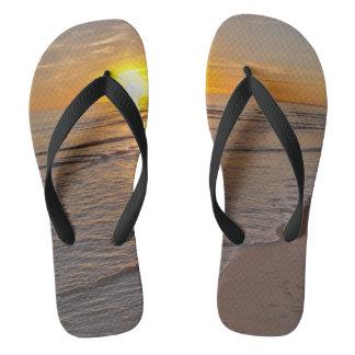 Chinelos Flip-flops: Por do sol pela praia
