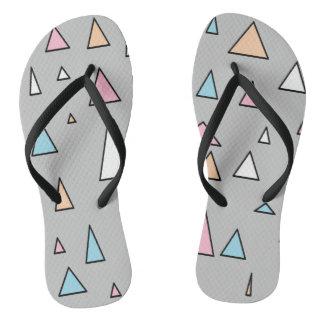 Chinelos Funky das cores Pastel dos triângulos