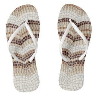 Chinelos magros adultos das correias do mosaico