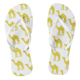 Chinelos O sacudir Funky lança o amarelo do camelo