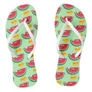 Chinelos Parte de melancia que expressa a dor após uma