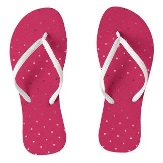 Chinelos teste padrão de bolinhas cor-de-rosa do rosa do