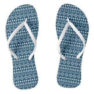 Chinelos Teste padrão geométrico azul e branco