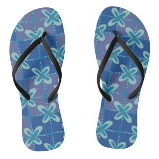 Chinelos Teste padrão sem emenda do batik floral azul da