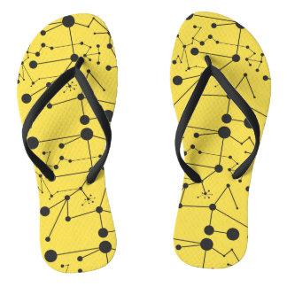 Chinelos Titik Garis um preto amarelo