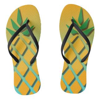 Chinelos tropicais do abacaxi do verão