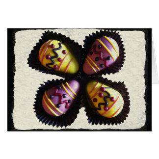 Chocolates do ovo da páscoa cartoes