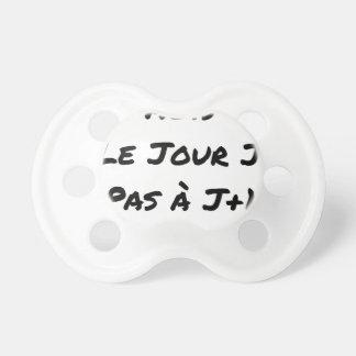 Chupeta AGIDOS O DIA J, NÃO À J+1 - Jogos de palavras