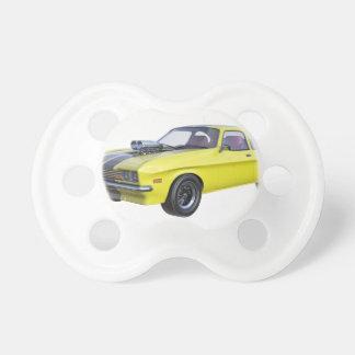 Chupeta Amarelo do carro de 1970 músculos com listra preta