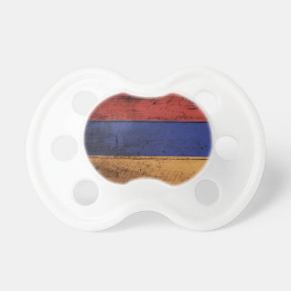 Chupeta Bandeira de Arménia na grão de madeira velha