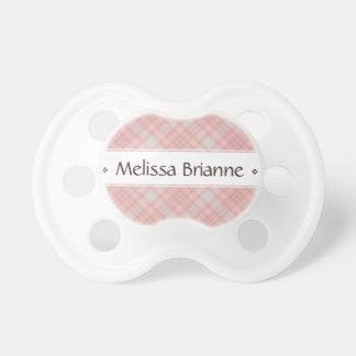Chupeta O nome xadrez cor-de-rosa do bebê personalizado