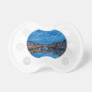 Chupeta O Ponte Vecchio em Florença