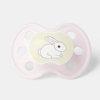 Chupeta Pacifier branco do coelho das meninas