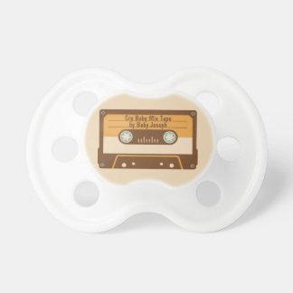 Chupeta Pacifier engraçado retro do bebê da cassete de