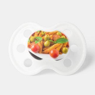 Chupeta Penne italiano da massa no molho de tomate com