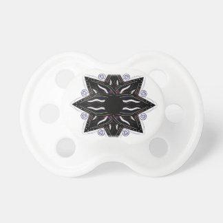 Chupeta Preto luxuoso do ornamento no branco