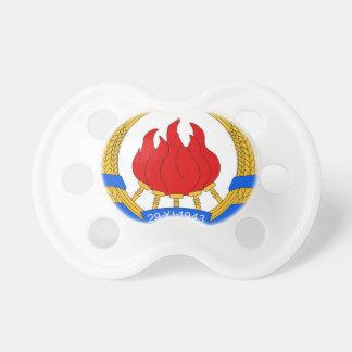 Chupeta República federal socialista do emblema de