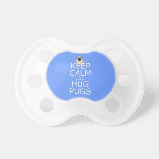 Chupeta Slogan do Pug: Mantenha Pugs calmos do abraço