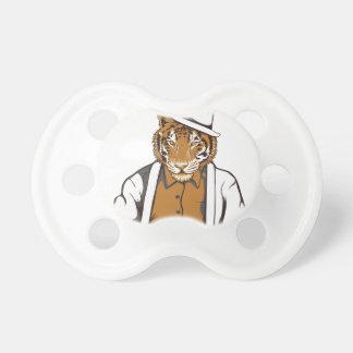 Chupeta tigre humano com cartões de jogo