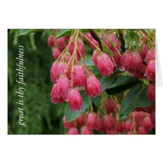 Chuva em flores de Bell cor-de-rosa Cartao
