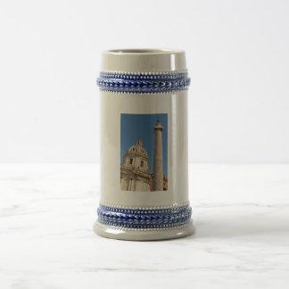 Cidade antiga de Roma, Italia Caneca De Cerveja