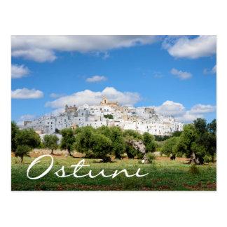 Cidade branca Ostuni e cartão do texto das
