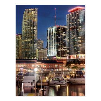 Cidade da skyline de Miami em Florida Cartão Postal