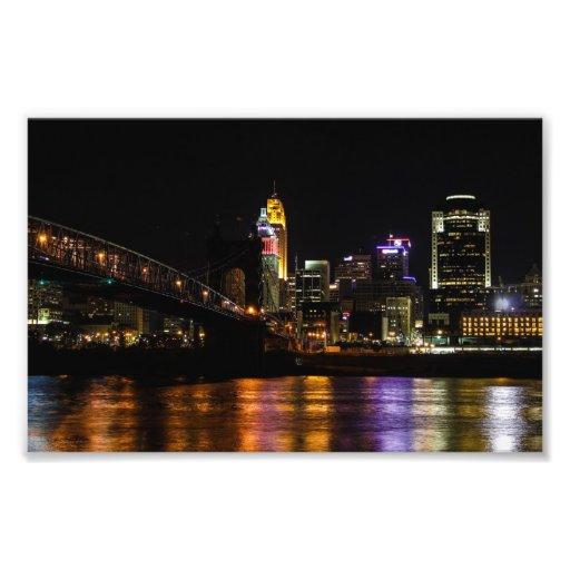 Cincinnati em a noite arte de fotos