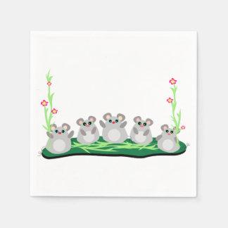 Cinco guardanapo de papel dos ratos