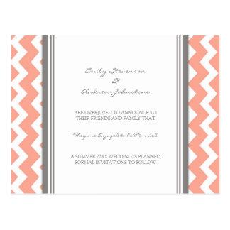 Cinza coral do cartão do anúncio do noivado