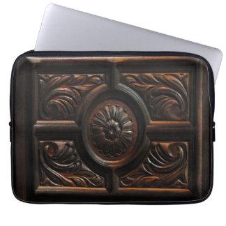 Cinzeladura de madeira capa de notebook