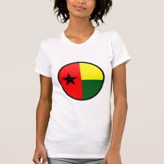 Círculo da bandeira da qualidade de Guiné-Bissau Camisetas