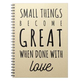 Citações pequenas das coisas cadernos espiral