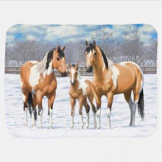 Cobertor De Bebe Cavalos da pintura do Buckskin na neve
