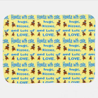 Cobertor De Bebe Punho azul e amarelo do bebé com amor
