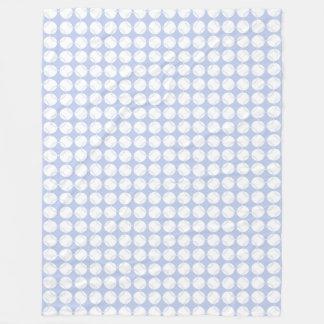 Cobertor De Velo Alice Wimbledon azul em um jardim inglês do país