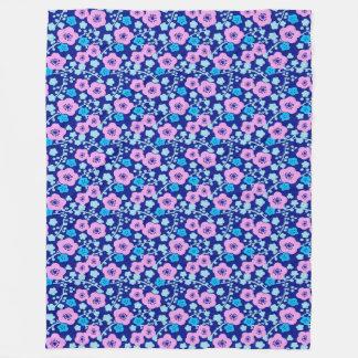 Cobertor De Velo Ameixa japonesa rica do teste padrão floral azul e