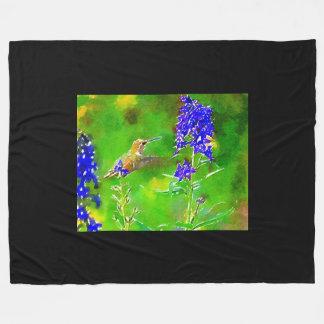 Cobertor De Velo Colibri verde do ouro, flores azuis do delphinium