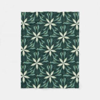 Cobertor De Velo Folhas do branco em um caleidoscópio verde da