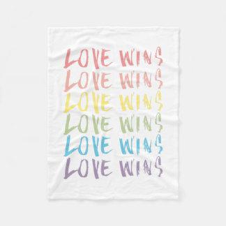 Cobertor De Velo O amor ganha a cobertura de |