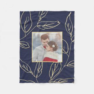 Cobertor De Velo O azul chique com a cor do ouro botânica adiciona