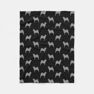 Cobertor De Velo O norueguês Elkhound mostra em silhueta o teste
