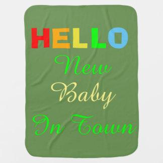 Cobertor Para Bebe Olá! bebê novo na cobertura do verde da cidade