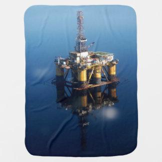 Cobertor Para Bebe Plataforma da plataforma petrolífera fora da foto