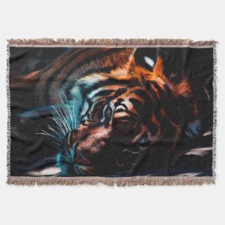 Cobertor Tigre na cobertura do lance do Repose