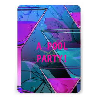 Cocktail misturado da piscina do verão da festa na