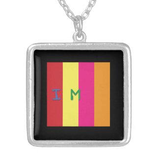 Código quadrado de prata de prisma da colar do MED