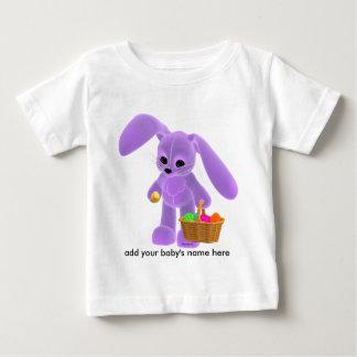 Coelhinho da Páscoa com cesta Camisetas